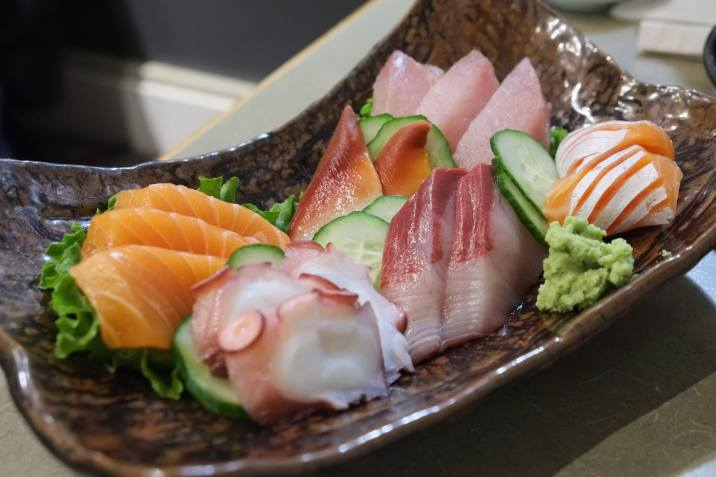 assorted sashimi $32